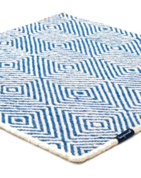 4246 white. blue